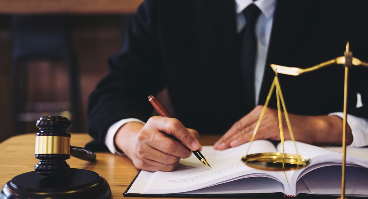 How to Choose a Criminal Defense Attorney