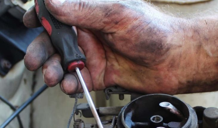 7 Key Questions to Ask Before Hiring an Auto Mechanic