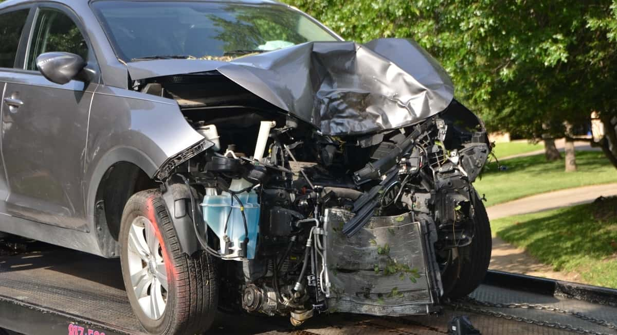 9 Safe Driving Tips That You Should Know to Avoid Accidents