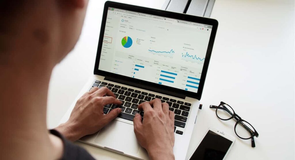 Businesses Use Data